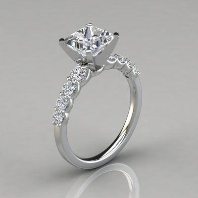 Graduated Princess Cut Engagement Ring